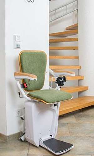 Cadeira elevador para escada curva