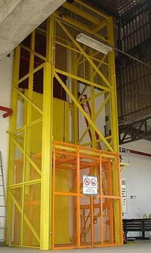 Elevador hidráulico comercial
