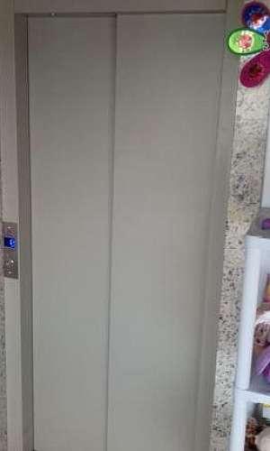 Elevador residencial pequeno porte