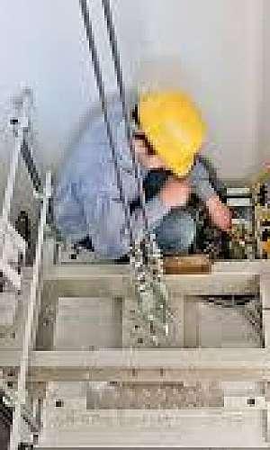 Manutenção preventiva e corretiva de elevadores