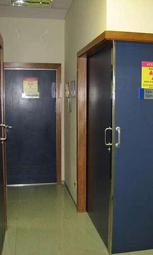 porta blindada para clínica