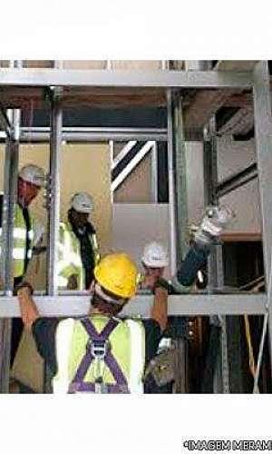 Revestimento interno de elevadores