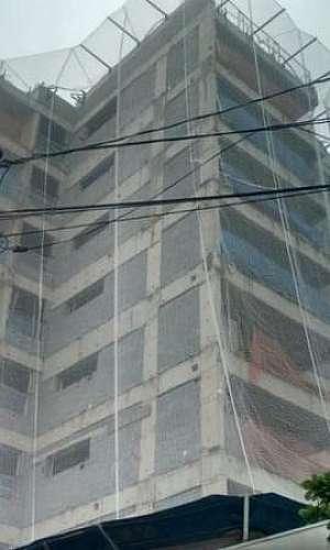 Tela de proteção para construção civil